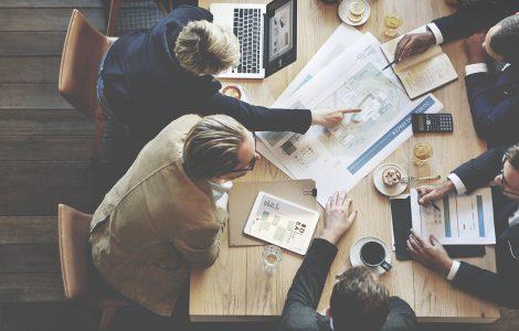 Salesforce vs Concorrentes: qual é a melhor solução para minha empresa?